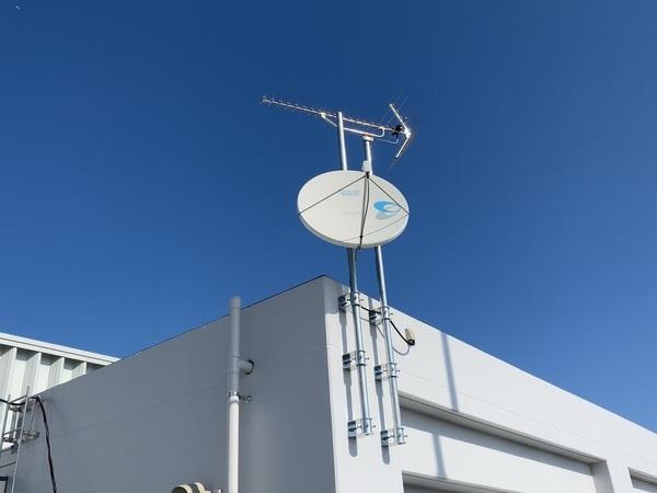 海上保安庁においてテレビ共同受信・他弱電工事を実施しました。